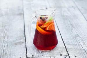 sangria met rode wijn foto