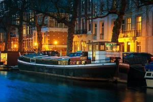 amsterdam, nederland 's nachts foto