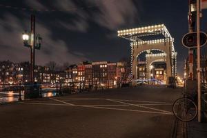 amsterdam bij nacht foto