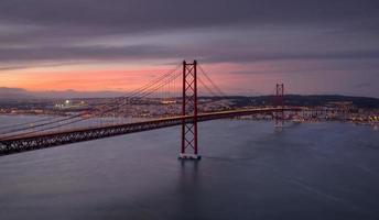 de brug licht op