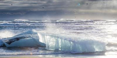 jokulsarlon ijsstrand in ijsland foto