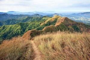 sleep op de berg van khao chang puak, westelijk van thailand foto