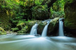 waterval met vijver