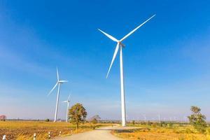 windturbine stroomgenerator in thailand foto