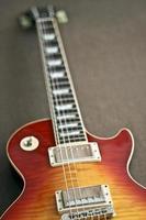 elektrische gitaar in les paul-stijl foto