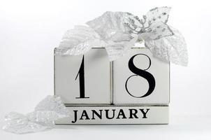 bewaar de datum vintage shabby chic kalender voor 18 januari
