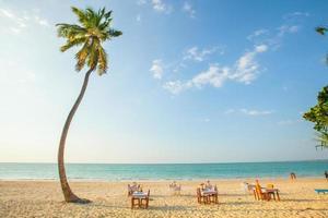 restaurant aan het strand - restaurant aan zee op het eiland phuket -
