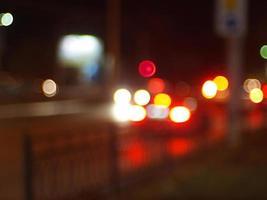 wazig beeld van licht door de schittering van koplampen foto
