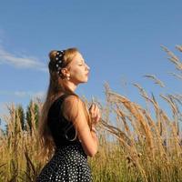 jong meisje openluchtportret foto