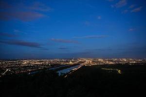 Wenen, luchtfoto 's nachts foto