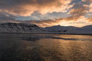 zonsopgang boven grundarfjorour en lambahnukur