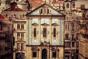 santo ildefonso barokke kerk in porto portugal foto