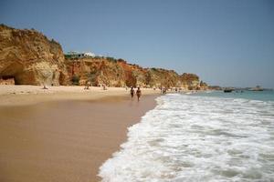 strand bij portimao (portugal) foto