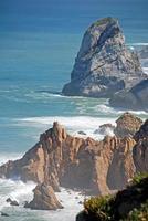 cabo da roca (cape roca) kliffen en de atlantische oceaan foto