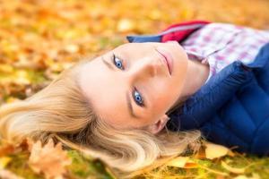 herfst portret van mooie vrouw