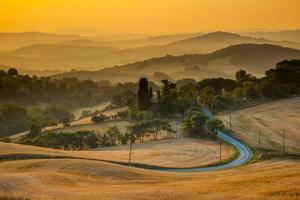 Toscaans uitzicht op het platteland vanaf Guardistallo