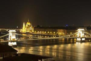 Boedapest bij nacht