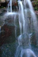 prachtige waterval in sintra, portugal. foto
