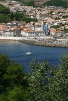 portugal, azoren-eilanden, terceira panoramisch uitzicht op angra do heroismo