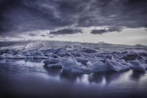 gletsjermeer - ijsland - het blauwe uur