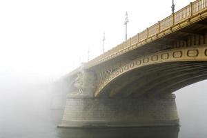 margaret bridge boedapest foto