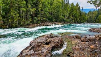 time-lapse van een rivier foto