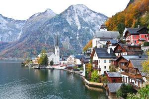 herfst bij het meer van Hallstatt