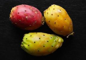 drie stekelige peren foto