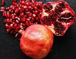 macrofotografie van biologische granaatappels foto