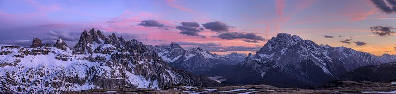 zonsopgang in de Dolomieten