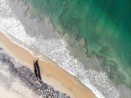 boot op een strand