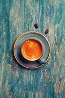 koffie in blauwe kop foto