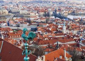 het uitzicht over Praag vanaf de Sint-Vituskathedraal