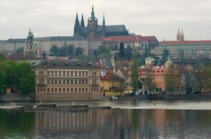 uitzicht op het kasteel van Praag foto