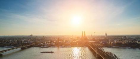 uitzicht op de skyline van Keulen