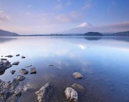 berg fuji in het voorjaar, kersenbloesem sakura foto