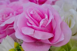 roze kunstbloem