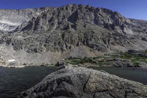 middelste gedeelte van snowbank lake foto