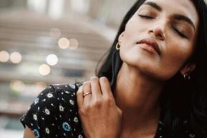 portret van een prachtige Indiase vrouw
