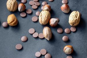 verscheidenheid aan gemengde noten als achtergrond.