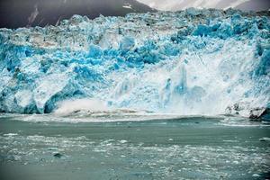 Hubbard-gletsjer tijdens het smelten in Alaska foto