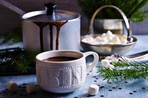 warme chocolademelk met marshmallow foto