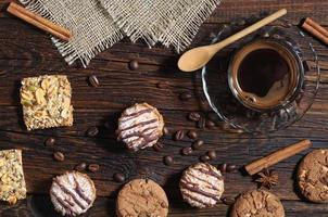 achtergrond met koekjes en koffie foto