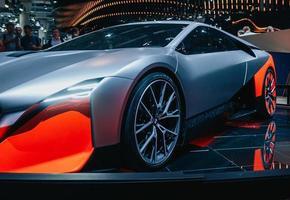 luxeauto op een autoshow foto