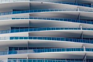 miami, florida, 2020 - modern wit gebouw