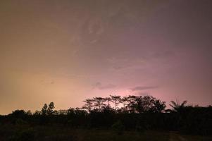 bliksem in de lucht 's nachts