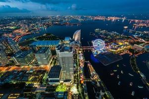Yokohama Bay in schemering foto