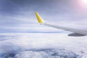 uitzicht vanuit vliegtuig en vleugel