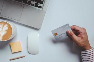 bovenaanzicht van online winkelen