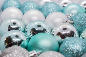 close-up van kerstballen